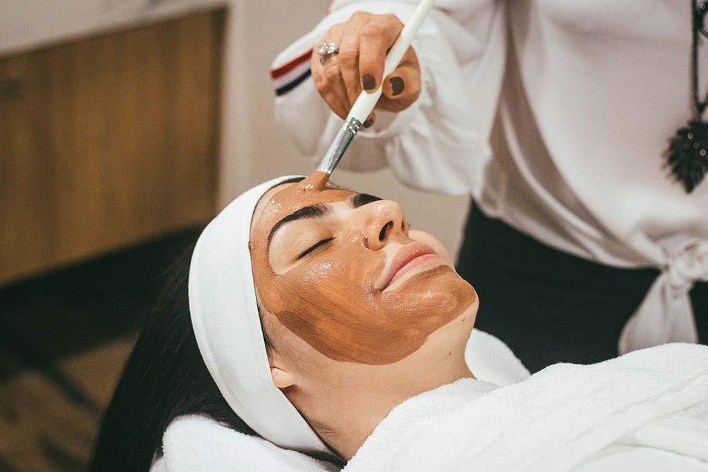 Tratament Facial pentru Extragere Puncte Negre in Deva